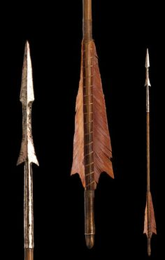 Hobbit Collectibles: Bow and Arrow of Tauriel Wouldn't want one of them stuck in your leg!