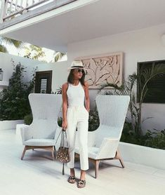 Comfy All white summer look!💛 ------ Adoro um look branco total… Fashion Mode, Fashion Outfits, Womens Fashion, Fashion Tips, Ladies Fashion, Fashion Ideas, Fashion Trends, Summer Vacation Outfits, Spring Outfits