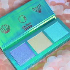Sparkle like a mermaid in this enchanting #highlighter palette! HI-LITE: Mermaids captured by: @aspa_shidaqin.