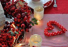 Mesés karácsonyi asztalteríték Place Settings, Keto, Vegetables, Food, Essen, Vegetable Recipes, Meals, Dining Sets, Table Settings