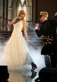 AMA performance 2012
