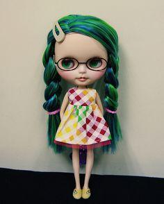 I love the hair on this Blythe!
