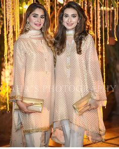 The Hot Trending Banarasi Vibes 💜💜💜 _ Color Option Available Made to Order _ For Appointments : Kindly inbox Call or WhatsApp : 00 92 308 65 96 756 _ _💝 _😎 _🤩 _😍 Pakistani Formal Dresses, Pakistani Wedding Outfits, Pakistani Dress Design, Indian Dresses, Indian Outfits, Stylish Dresses, Simple Dresses, Casual Dresses, Kurta Designs