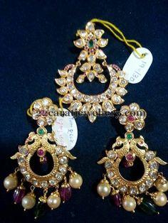 Jewellery Designs: 19 Grams Chandbali Locket and Earrings