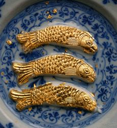 """Fish pond of flummery fish:  Flummery fish were gilded and were floated on a dish of thin lemon jelly or sweet wine.Or embedded in a dome of jelly to make a """"fish pond."""""""