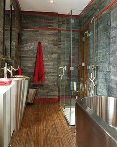 salle de bains grise, intérieur super luxueux, mariage de matières parfait