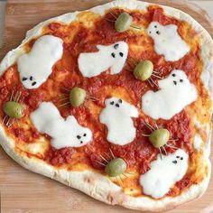 Pizza fantôme de Halloween - Halloween : 14 recettes effrayantes et faciles repérées sur Pinterest - Elle à Table                                                                                                                                                                                 Plus