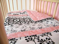 modern baby quilt tutorial...uses 4 fabric choices, simple, quick, and easy.