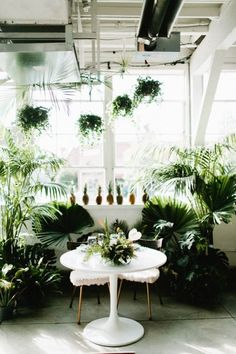 Classy Tropical Colorado Wedding at Blanc Denver! Featuring design elements of pineapples, tropical leaves, an ice cream truck and more! Orange, purple, green, white and sage colors. #blancdenver
