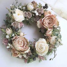 Corona de peonias y rosas Preciosa!
