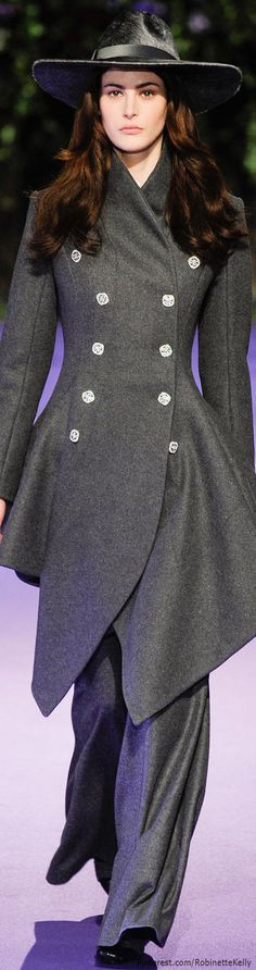 Alex Mabille | F/W 2014 RTW Love this, but the pants are way too full.  TG.               Love this coat!!!!
