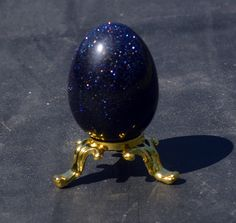 Free Giveaway: Blue sandstone egg (stand not included)   Enter Here: http://www.giveawaytab.com/mob.php?pageid=617218411711165