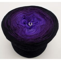 Lady Dee's - gradient yarn - Rausch der Sinne 3F - black outside  3 ply - 3 colors  Needle thickness (Germany) approx. 3  Fiber Content: 50% cotton 50% polyacrylic  The color gradient from the inside to the outside: tourmaline, purple, black.