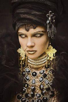 Photo: Dedalus De Dalus Mannequin: Eva Biechy Stylisme: Ludovic Winterstan