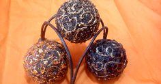Esferas decorativas hechas con aserrín