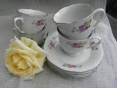 """Espressotassen """"Vintage"""" von sabinchenfrauenzimmer auf DaWanda.com Wunderschönes Porzellan mit Rosen  und einem edlen Silberrand."""