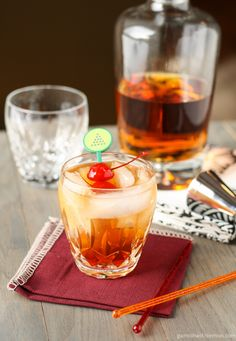 Perfect Manhattan Cocktail ~ http://www.garnishwithlemon.com