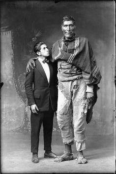 Dois gigantes cusquenhos, 1925 (Foto: Martín Chambi/Instituto Moreira Salles)