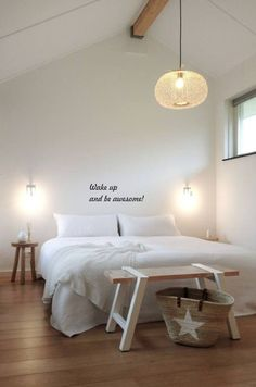 A whole lot of nothing / minimal bedroom design inspiration / interior decor Dream Bedroom, Home Bedroom, Bedroom Decor, Master Bedroom, Regal Design, Minimalist Bedroom, My New Room, Beautiful Bedrooms, Home Decor Inspiration