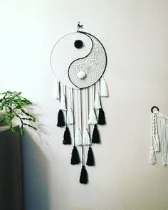 I am happy to share the latest product added to my store Yin Yang Dreams catcher, Dream catcher, wall […] Dreams Catcher, Diy Dream Catcher, Dream Catcher Patterns, Homemade Dream Catchers, Sun Catcher, Diy Tumblr, Wall Mandala, Boho Dekor, Yin Yang