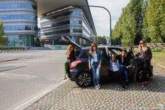 Le Torino Fashion Bloggers provano la swift posh di suzuki davanti al nuovo Campus Einaudi di Torino
