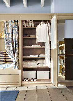 English Mood bedroom by Minacciolo 2016 #minacciolo #englishmood #chic #furniture #elegant #bedroom #classic #englishstyle #wardrobe #interiors #architecture #decor #romantic #inspirations #shabby #chic #country #countrychic #children #blue