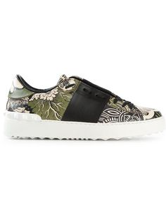 Shop Valentino Garavani 'Open' low sneakers in Boutique Mantovani from the world's best independent boutiques at farfetch.com. Over 1500 brands from 300 boutiques in one website.