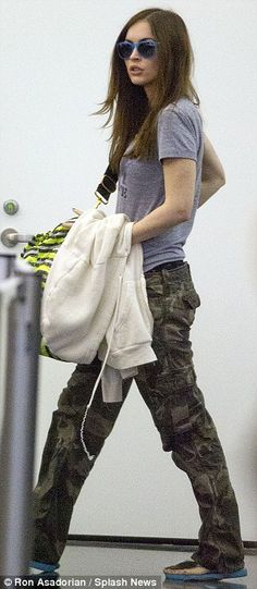 Megan Fox Tries To Hide Baby Bump After Confirming Second Baby [Follow the link for more pictures]