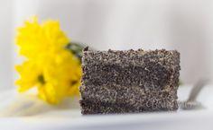 Makové rezy s makovou plnkou Food Hacks, Food And Drink, Baking, Desserts, Diabetes, Gardening, Cakes, Kitchens, Tailgate Desserts