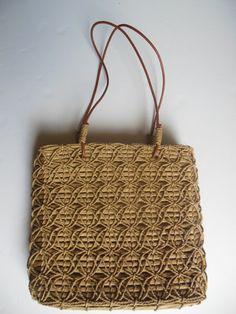 bolso antiguo con asas de cuero por Limbhad en Etsy