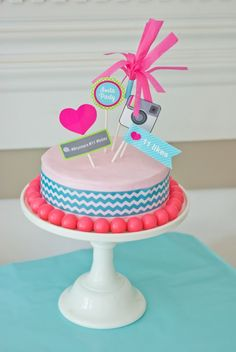 Trendy Cake Desing For Teens Girls Party Ideas Ideas - Party Ideen Instagram Party, Instagram Birthday Party, Instagram Cake, Teen Girl Parties, Girls Party, Teen Cakes, Girl Cakes, Teenager Birthday, Girl Birthday