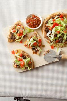 Easy dinner idea: Homemade Taco Pizza recipe