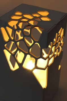 """""""Zush"""" Voronoi & Delaunay table light Source by mariamzush I do not take credit for the images in this post. Light Table, Lamp Light, Laser Cut Lamps, Licht Box, Parametric Design, Bedside Table Lamps, Wooden Lamp, Light Project, Lighting Design"""