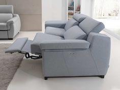Dicen que nadie se ha muerto por trabajar, pero...¿Para que tentar a la suerte? Eso es lo que debe pensar la gente cuando ve este sofá y se imaginan reclinados sobre él.  http://decojondepato.com/Sof-3-plazas-con-2-relax-272