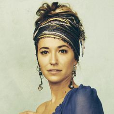 """Interview with CCM & Pop Artist Lauren Daigle about her hit single """"You Say,"""" her album Look Up Child and her songwriting. Messy Bun Hairstyles, Boho Hairstyles, Lauren Daigle Concert, Lauren Diagle, Long Wavy Curls, Hair Scarf Styles, Boho Aesthetic, Hair Color And Cut, Boho Headband"""