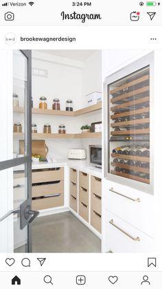 Kitchen Butlers Pantry, Pantry Room, Kitchen Pantry Design, Kitchen Organization Pantry, Kitchen Interior, Kitchen Ideas, Küchen Design, House Design, Pantry Inspiration