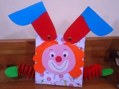 A School a Wimpy: Bag-ajtós candy bohóc Circus Theme Crafts, Clown Crafts, Fruit Crafts, Puppet Crafts, Circus Party, Circus Clown, Paper Bag Crafts, Paper Crafts For Kids, Diy And Crafts