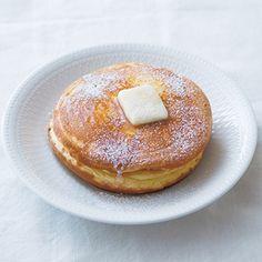 ふわふわパンケーキ 栗原はるみ Pancakes haring kurihara recipe Sweets Recipes, No Bake Desserts, Cake Recipes, Bread Cake, Food To Make, Breakfast Recipes, Pancakes, Food Photography, Brunch