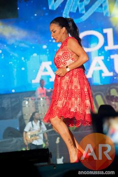 Yola Araújo tem mais de dez músicas que vieram das mão de Heavy C https://angorussia.com/cultura/musica/yola-araujo-dez-musicas-vieram-das-mao-heavy-c/