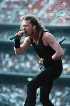 ~HETFIELD~ no guitar?????