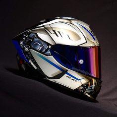 Cafe Racer Bikes, Cafe Racer Motorcycle, Valentino Rossi Helmet, Biker Photography, Shoei Helmets, Motorcycle Helmet Design, Helmet Paint, Armor Concept, Cool Motorcycles