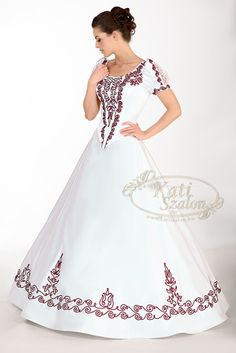 A beautiful wedding dress with hungarian motifs. Modest Long Dresses, Modest Wear, Black Wedding Dresses, Bridal Wedding Dresses, Evening Outfits, Evening Dresses, Disney Princess Dresses, Edwardian Dress, Mexican Dresses