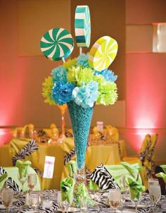 budget friendly reception wedding decor, wedding centerpiece, wedding flower arrangement, add pic source on comment and we will update it. www.myfloweraffair.com
