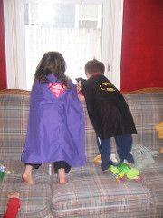 Reversible superhero capes