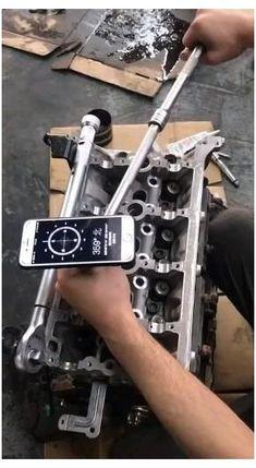 New Technology Gadgets, Car Gadgets, Gadgets And Gizmos, Garage Tools, Car Tools, Auto Body Repair, Car Repair, Mécanicien Automobile, Mechanic Tools