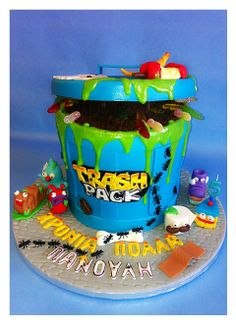 The trash pack cake