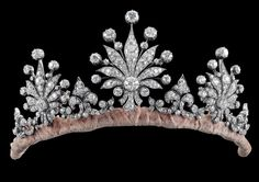 carolathhabsburg: Diamond tiara. 1900s. A diamond diadem, total weight c. 28 ct All parts detachable, to be worn in a number of different ways (brooch, ear clips)Source