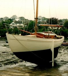 Laurent Giles Vertue for sale from Wooden Ships Yacht Brokers. Wooden Boat Building, Boat Building Plans, Boat Plans, Classic Sailing, Classic Yachts, Make A Boat, Build Your Own Boat, Yacht Design, Boat Design