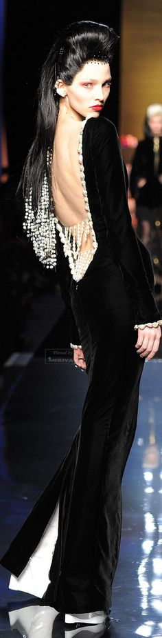 Jean Paul Gaultier. Fall-Winter, 2014-2015. The House of Beccaria.♥..¸¸.•♥•