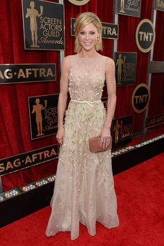 Lucky Magazine - Julie Bowen in Georges Hobeika Couture >>